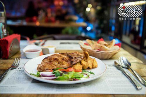 jela-sa-rostilja-pileci-file-restoran-zar