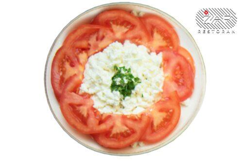 salate-paradajz-sa-feta-sirom-restoran-zar